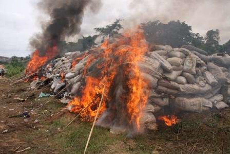 Environmentalists in Ghana condemn open burning of contraband goods